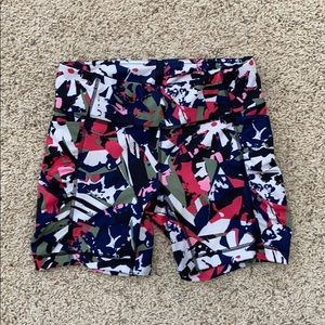 Lululemon Speed Track Shorts   Size 8